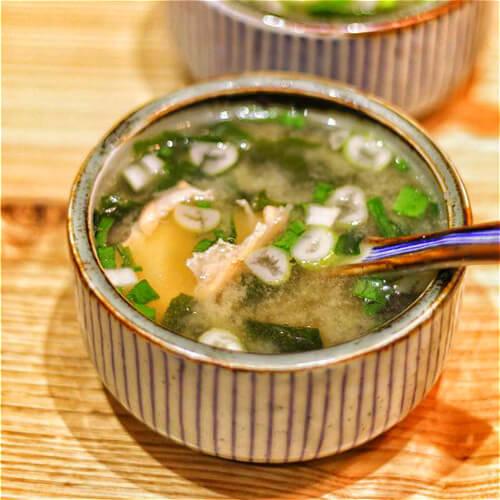 鲜美的日式味增汤