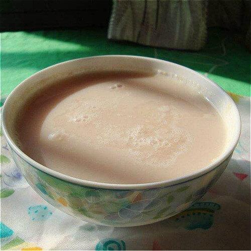 营养十足的胡萝卜黑豆浆