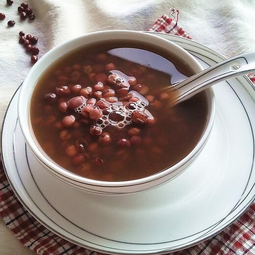 健康的红豆玉米汁