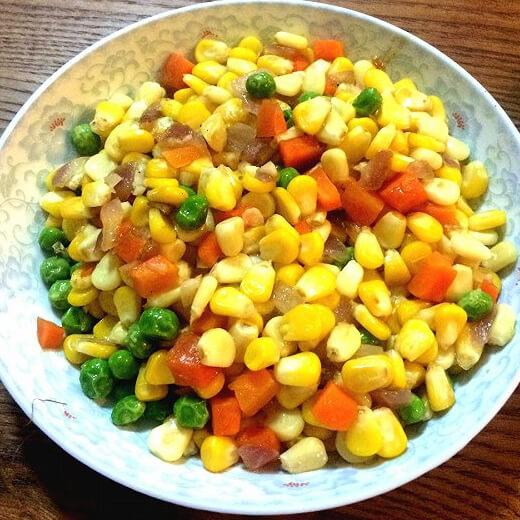 好吃的番茄烩玉米粒
