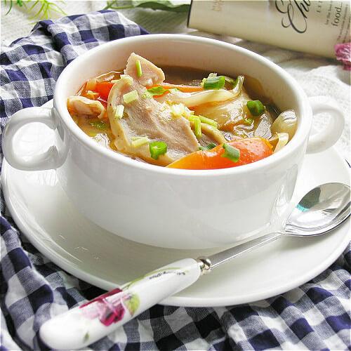 香喷喷的猪肚汤
