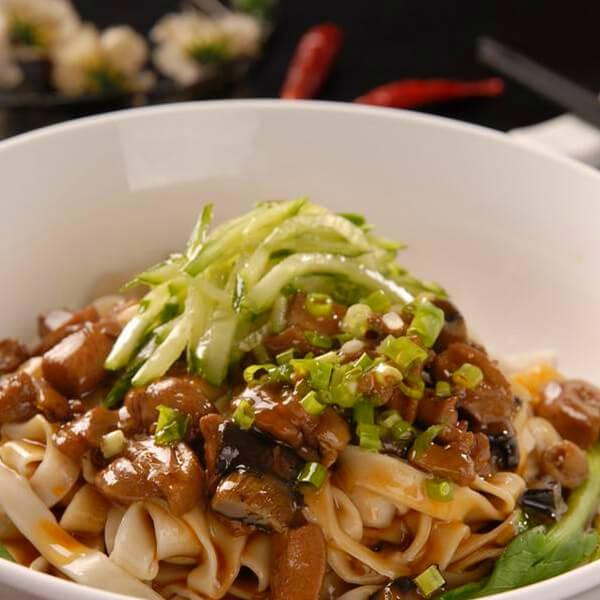 香菇包心菜煮面结