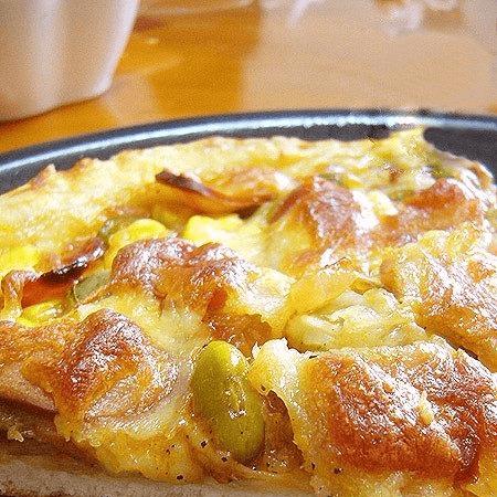 自制火腿香肠脆皮披萨