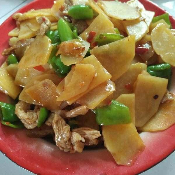 土豆片辣椒炒肉