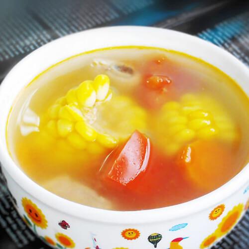 胡萝卜玉米排骨汤--防过敏