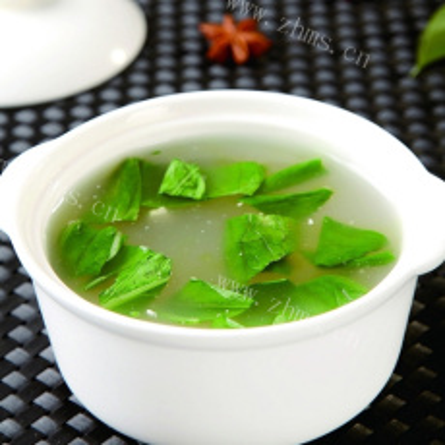 家常青菜豆腐汤