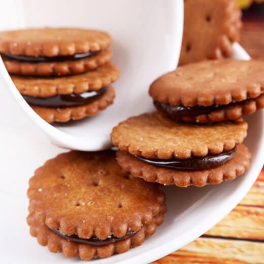 美味的黑糖雪球饼干