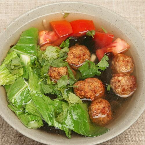 简单版小白菜丸子汤