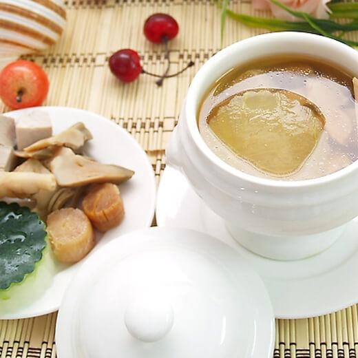 野生菌瘦肉炖汤