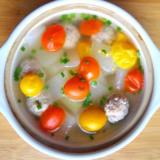 好喝的肉圆冬瓜番茄汤