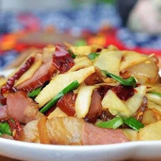 鲜竹笋炒四川腊肉