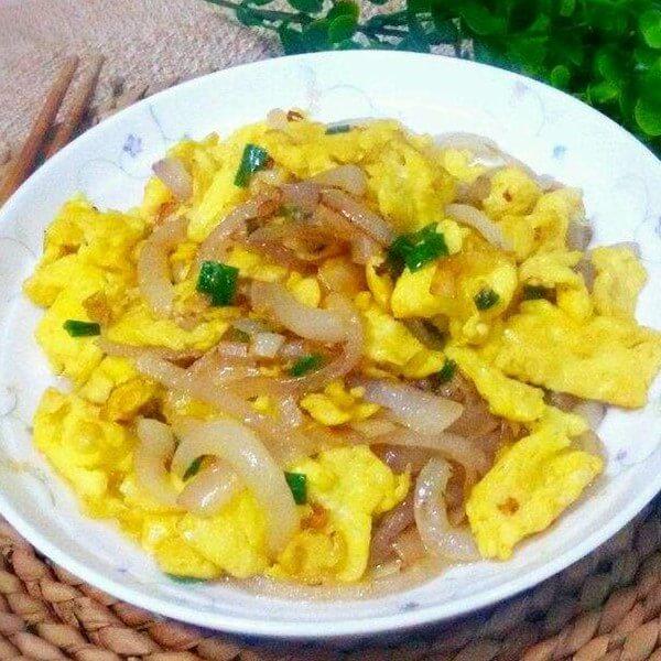 洋葱虾皮煎蛋