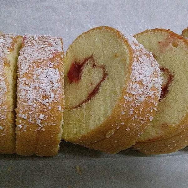 椰容蛋糕卷