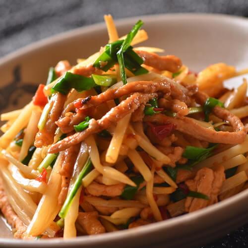 胡萝卜竹笋炒肉丝