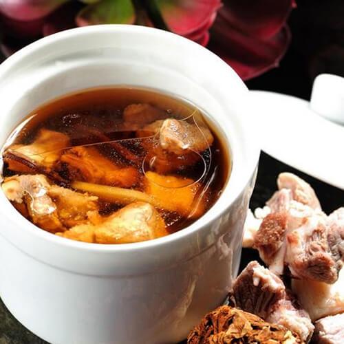 常吃不腻的茶树菇排骨汤
