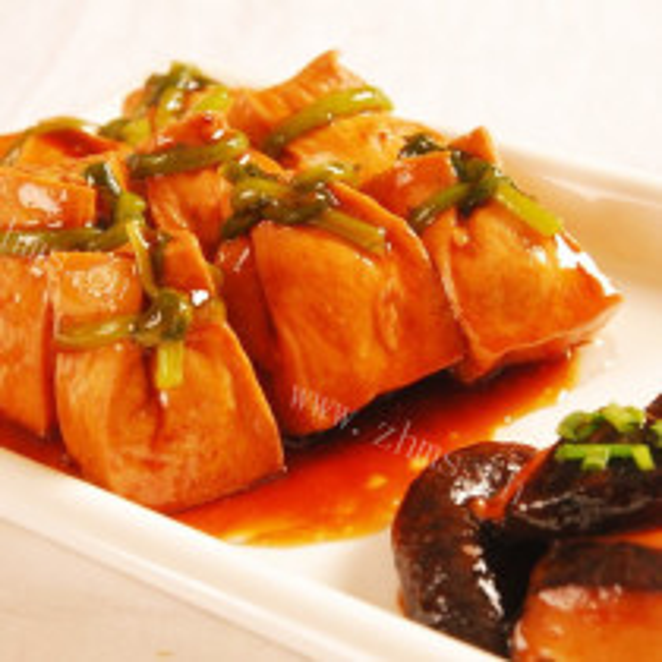 香菇焖油豆腐油条