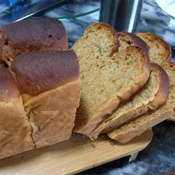 红糖粗粮面包