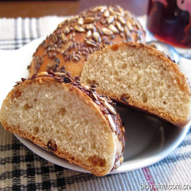 开胃果仁面包