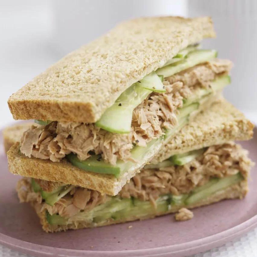 吞拿鱼肉松三明治