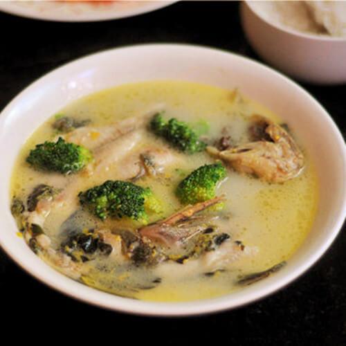 西兰花黄刺鱼汤