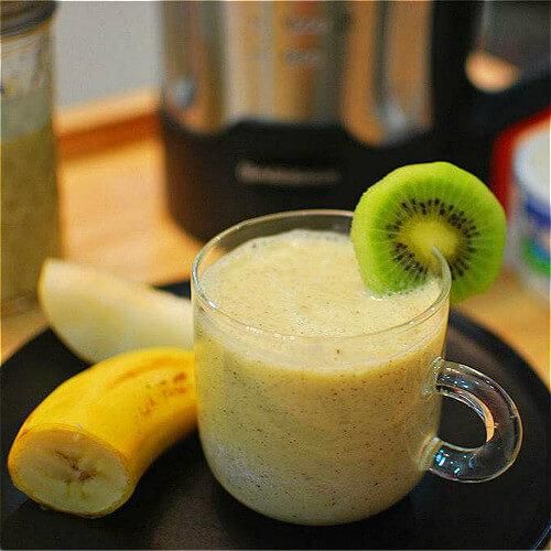 猕猴桃雪梨香蕉汁