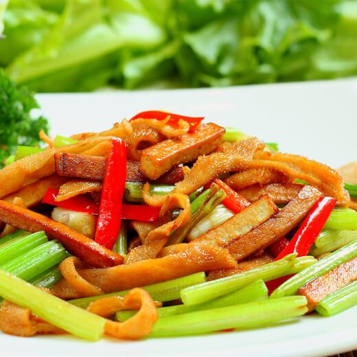 青尖椒炒芹菜