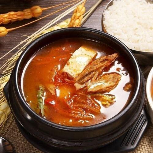 可口的泡菜汤