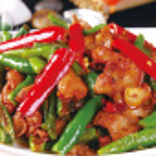 超级简单的尖椒炒肉