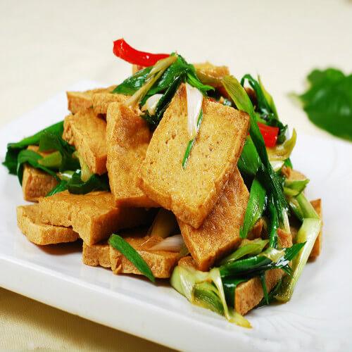 蒜苗和煎豆腐的约会