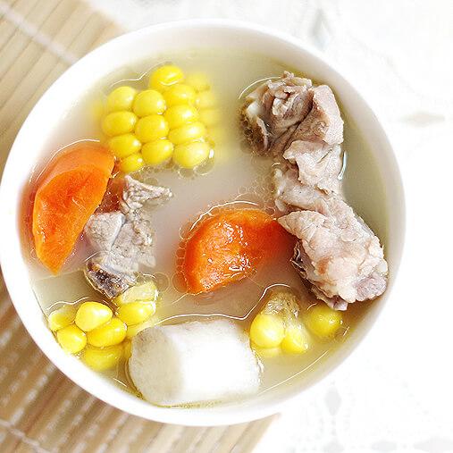 家常莲藕玉米鸡汤煲
