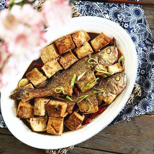 冻豆腐烧黄骨鱼