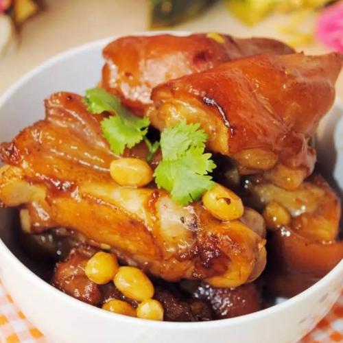 美味黄豆炖猪蹄