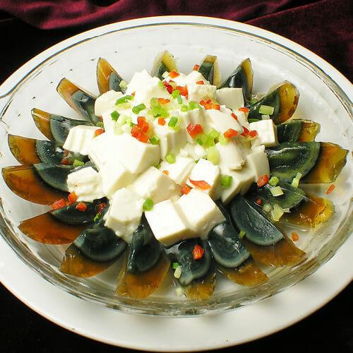 香菜皮蛋拌豆腐