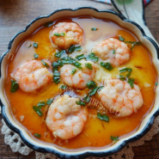 三色蛋蒸鲜虾鱼板面