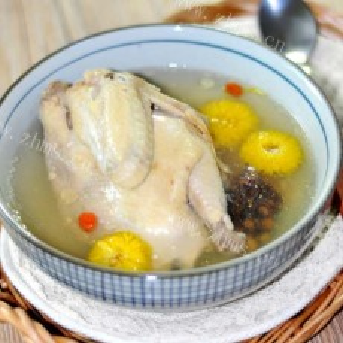 滋补安眠土鸡汤