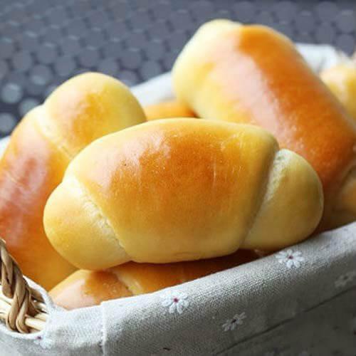 夹心牛奶卷面包