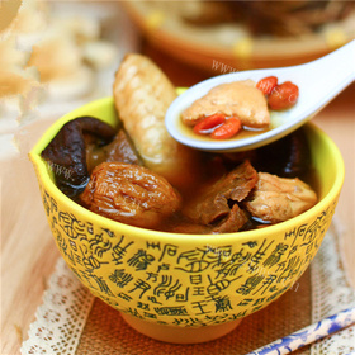 玛卡香菇枸杞汤