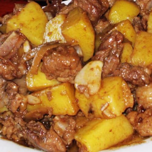 味道不错的土豆炖排骨