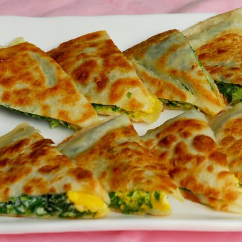 鸡蛋韭菜粉丝煎饼