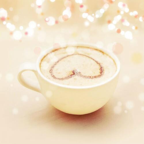 芳香四溢的自制奶茶