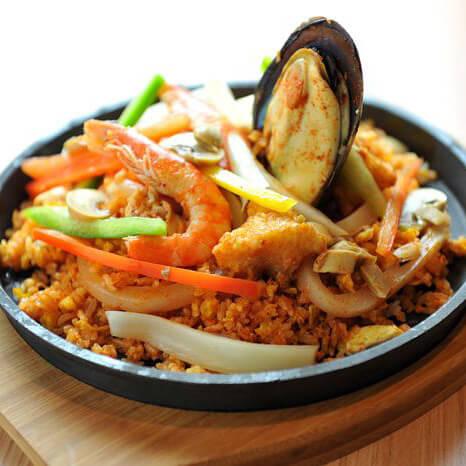 核桃海鲜炒饭