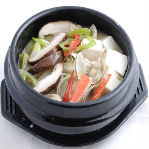 特色料理韩国大酱汤