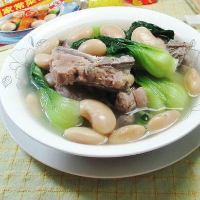 白芸豆青菜龙骨汤