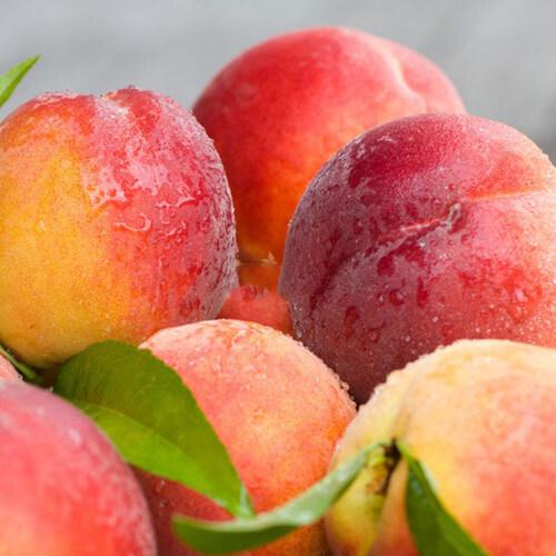 佳肴可口的水蜜桃
