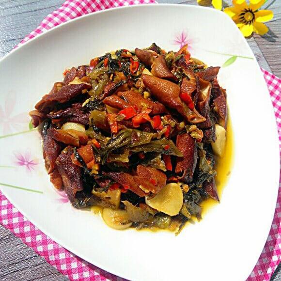 鱼酸菜烩熏肠