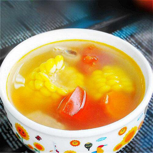 养胃的胡萝卜玉米排骨汤