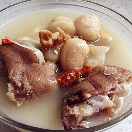 芸豆蹄髈汤的做法