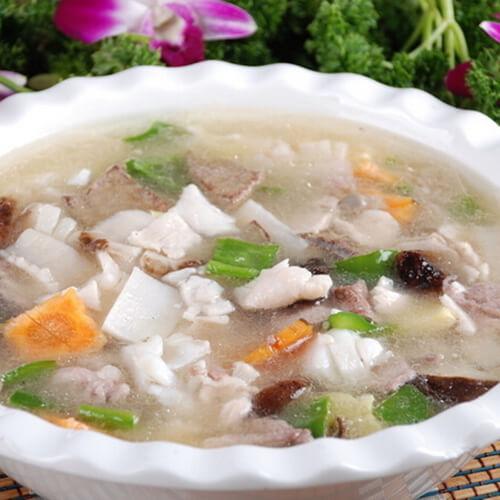 清香的肉片汤