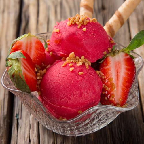 在家做的草莓冰激凌