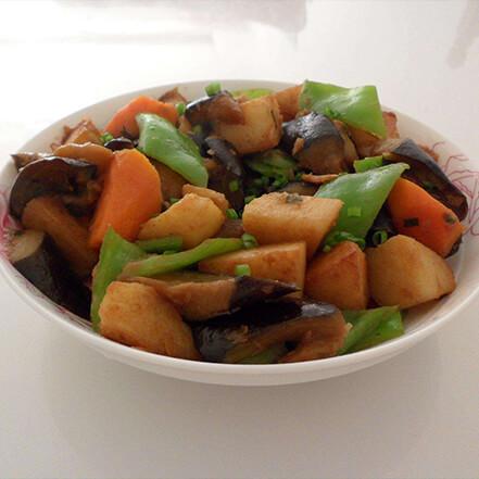 土豆秋葵炒鸡架
